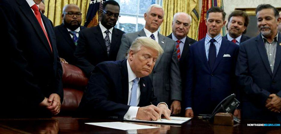 Presidente Trump Afirmamos nuestra dependencia de Dios
