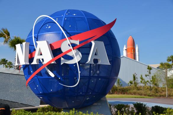 Científico de la NASA declara que Dios es quien sostiene todo el espacio y el universo