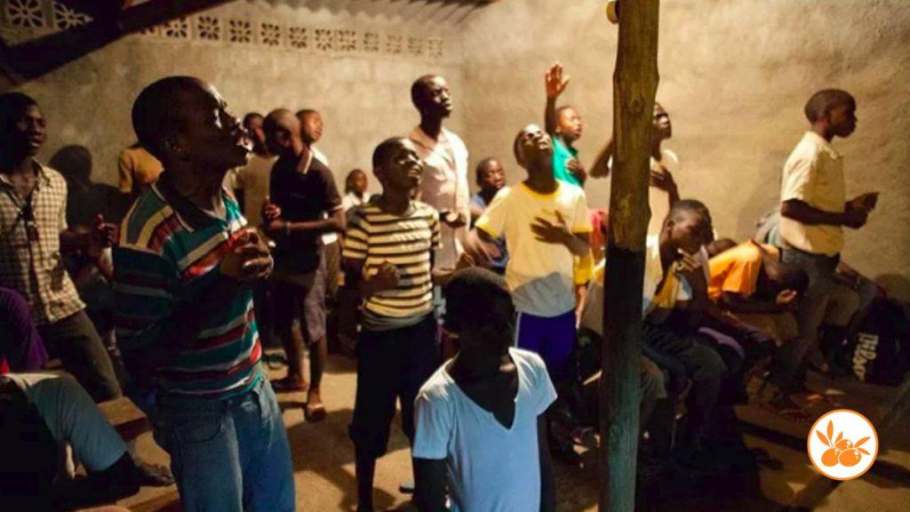 En la miseria Pastor clama a Dios y se multiplica la comida milagrosamente