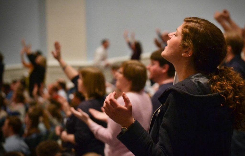 razones por las que deberías ir a la iglesia todas las semanas