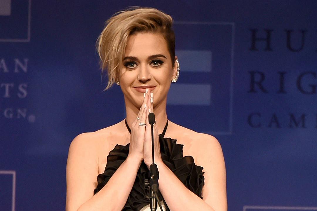 Katy Perry Mi madre oró por mí toda la vida, para que volviera a Dios