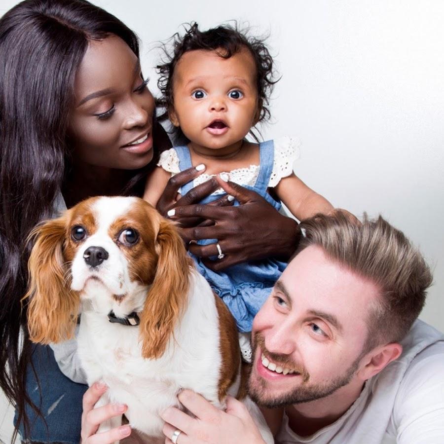 la pareja interracial felices