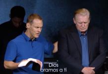 Donald Trump acude a iglesia y pastor ora para que Dios le ayude a gobernar