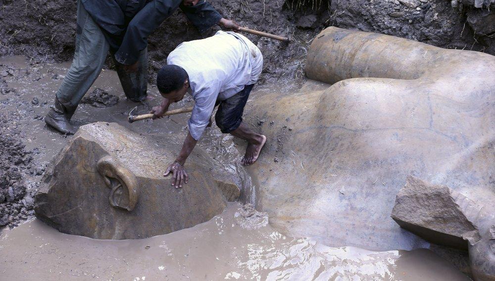 La Ciencia confirma la Biblia: Descubren estatua del Faraón que sufrió las 7 Plagas del Éxodo