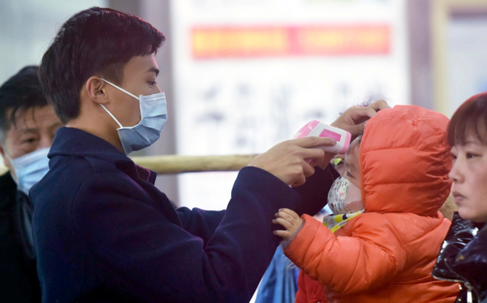 china prohibio salida trenes aviones por causa del coronavirus