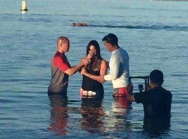 rashel diaz bautizo cristiano presentadora de telemundo