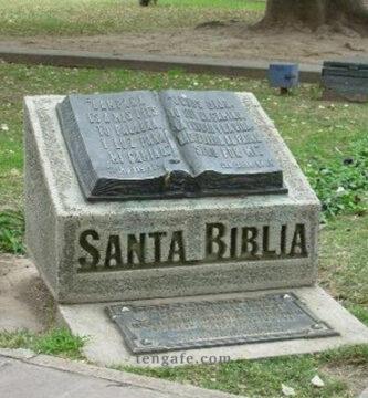 crean momumento a la Biblia en Argentina